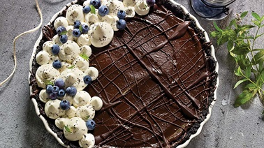 Avocado and chocolate pie