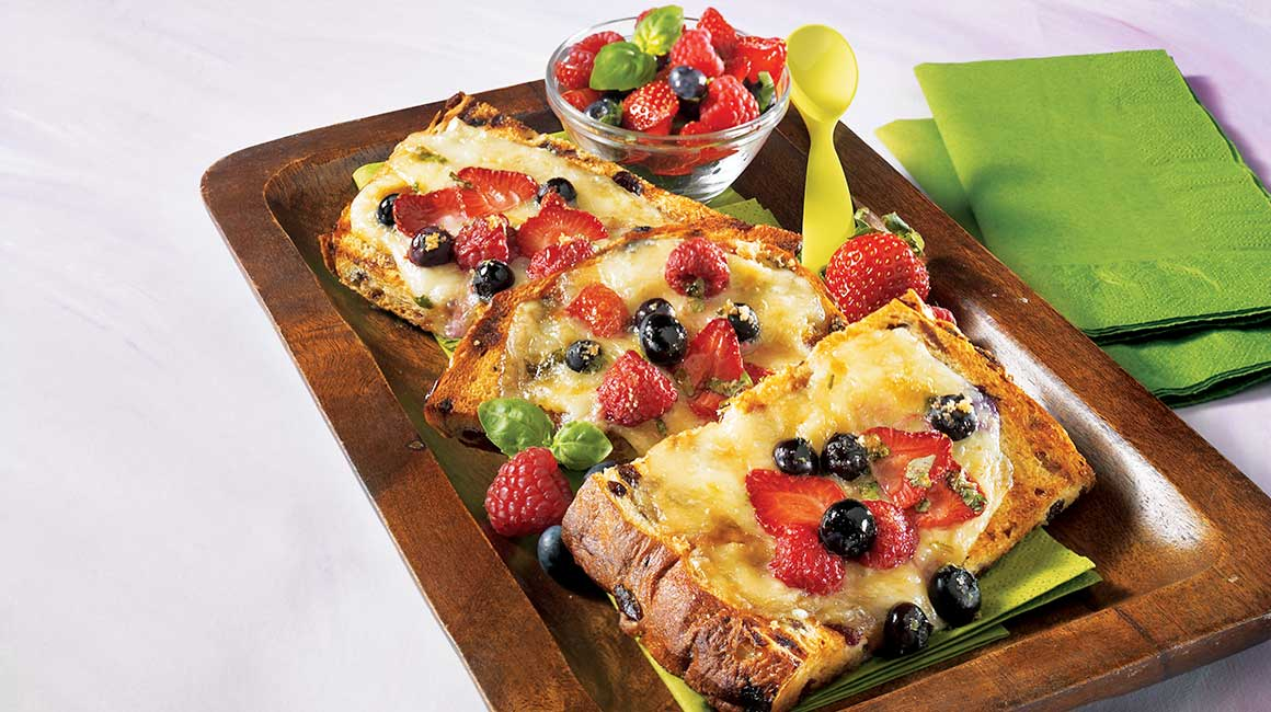 Three-fruit cheese toast