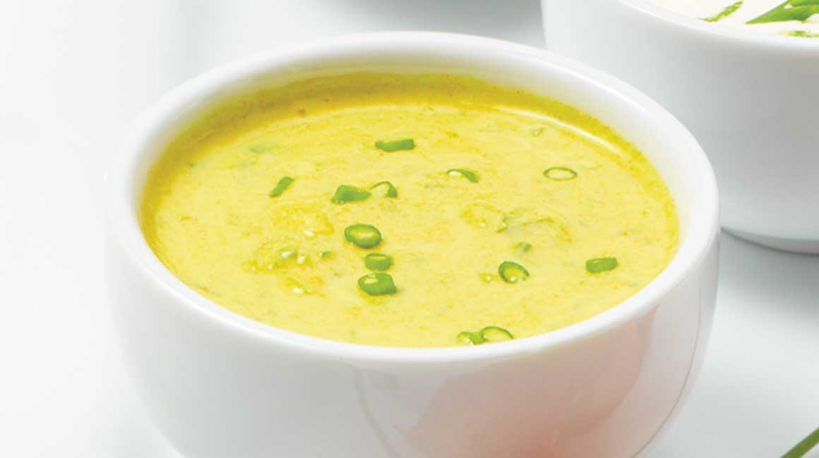 Fresh Yellow Curry and Ginger Dip