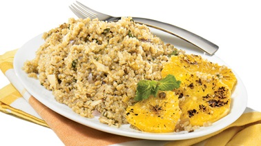 Grilled oranges with quinoa & almond salad