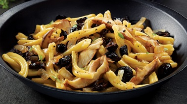 Black olive, thyme, and mushroom pasta from François Chartier