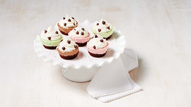 Christmas ice-cream cupcakes
