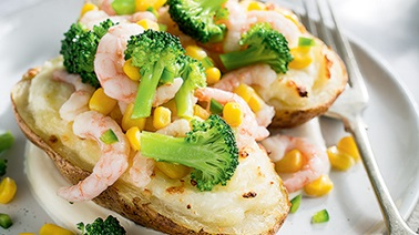 Double Baked Potatoes with Broccoli, Corn and Shrimp from Ricardo
