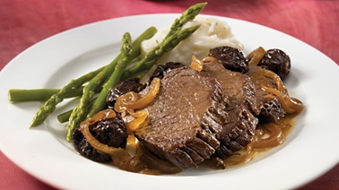 Braised wapiti roast with prunes and rosemary